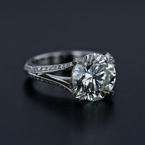 Split Round Diamond Ring