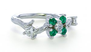 Vine Ring w Emeralds